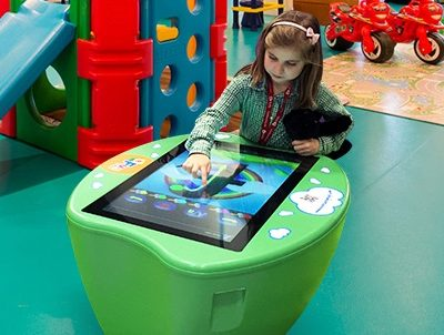 Children's touchscreen interactive table