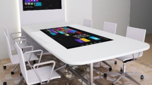 "55"" 4K meeting room touchtable LifeSize Touch"